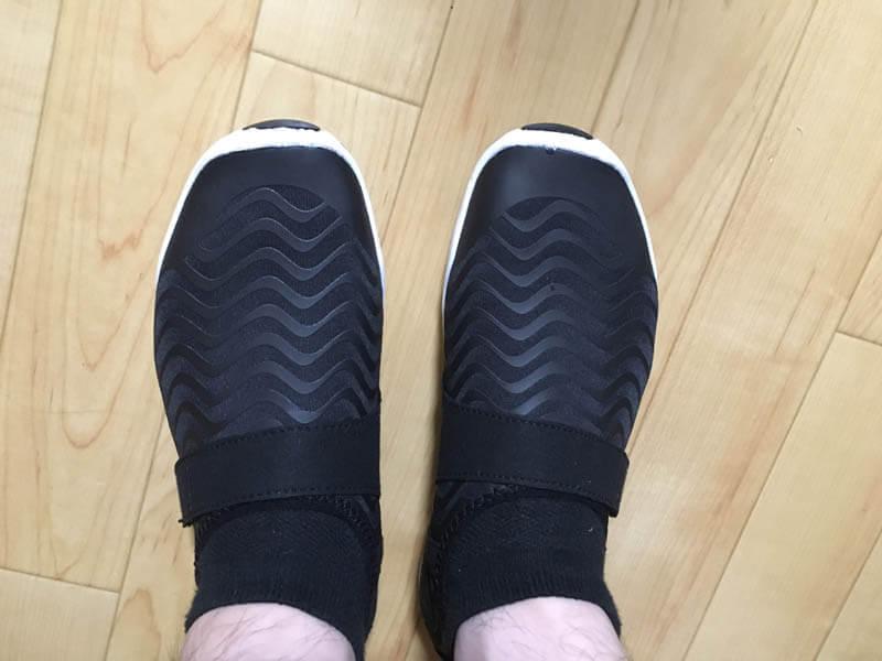 軽くて折りたためる!ジム用の靴(ウォーターシューズ)が持ち運びに便利