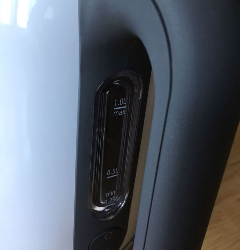 De'Longhi[デロンギ]SJM010J電気ケトルはメモリがついている