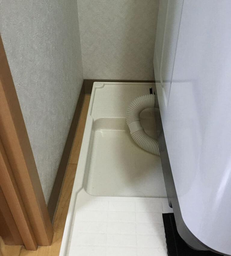 洗濯機のスペースを計測