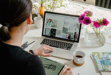 Webデザイナーの給料と年収はどれくらい?日本と海外の違いと収入を上げる方法
